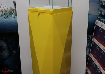 Product display plinth