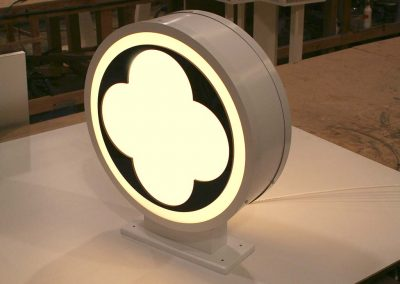 Round light box sign